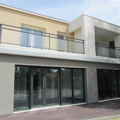 Le Clos de la cour - logement et commerce de facade