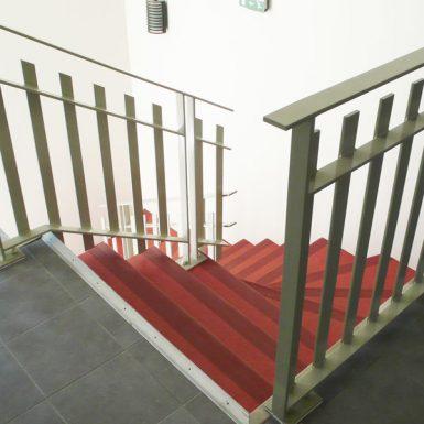 Escalier des logements à Grandchamp des Fontaines